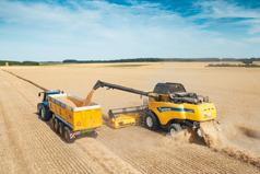 Kombajny serii CX7 i CX8 marki New Holland pozwalają osiągnąć przepustowość i wydajność na najwyższym poziomie